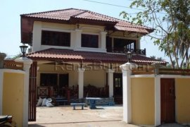 6 bedroom house for sale in Sisattanak, Vientiane