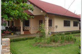 3 bedroom villa for rent in Sikhottabong, Vientiane
