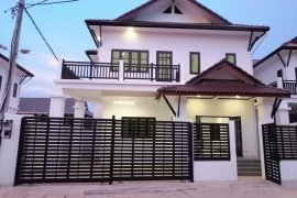 5 Bedroom Villa for Sale or Rent in Phonsawang, Vientiane