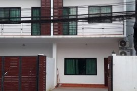 2 Bedroom Townhouse for rent in Saphanthong Tai, Vientiane