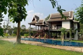 5 Bedroom House for rent in Vientiane