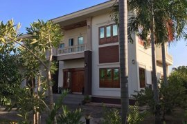 5 Bedroom House for rent in Chanthabuly, Vientiane